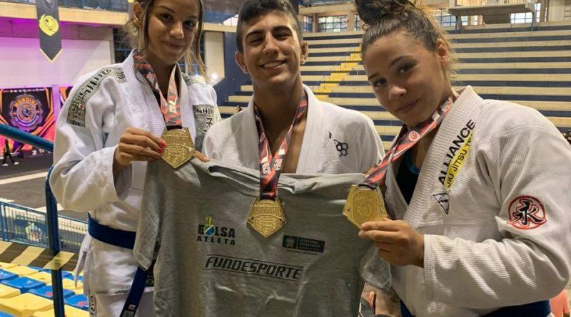 Contemplados pelo Bolsa Atleta voltam do Mundial de Jiu-Jitsu Esportivo com cinco ouros