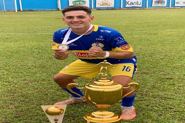 Com apenas 18 anos três-lagoense conquista título da terceira divisão do Campeonato Paranaense.