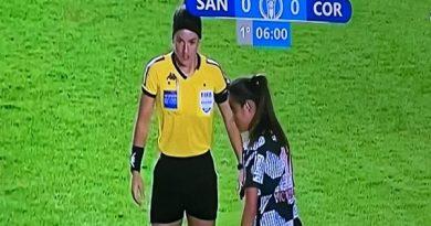 Arbitra três-lagoense apita clássico entre Santos e Corinthians pelo Brasileirão Feminino de Futebol.
